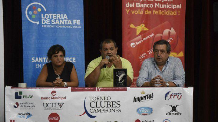 Anuncio. Martín Lucero (en el centro) habla en la presentación del torneo.