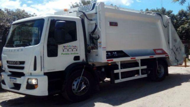 Camión. Uno de los rodados fue acondicionado con un equipo compactador para la recolección.