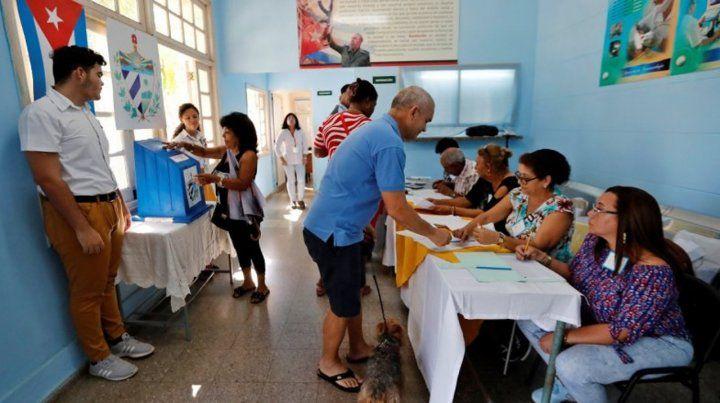 El Observatorio Cubano de Derechos Humanos ha denunciado un clima plagado de irregularidades en el referéndum constitucional del domingo.