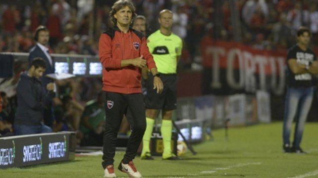 Tranquilo y contento. El técnico rojinegro Héctor Bidoglio tiene un invicto de siete partidos al frente del primer equipo.
