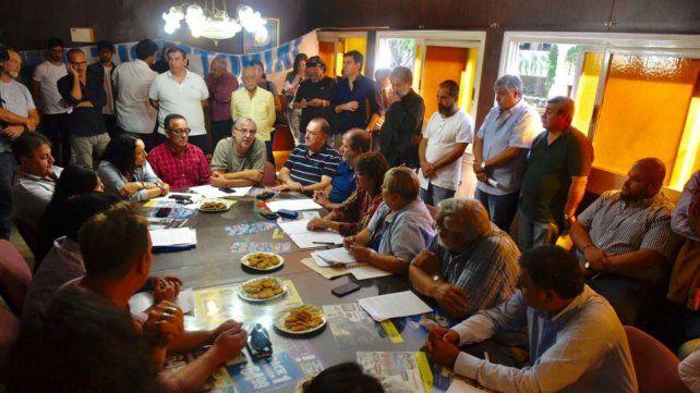 La multisectorial se reunió en el Centro Unión Almaceneros de Rosario.
