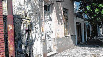 casa rosada. El lugar donde ocurrió el crimen en barrio Tiro Suizo.