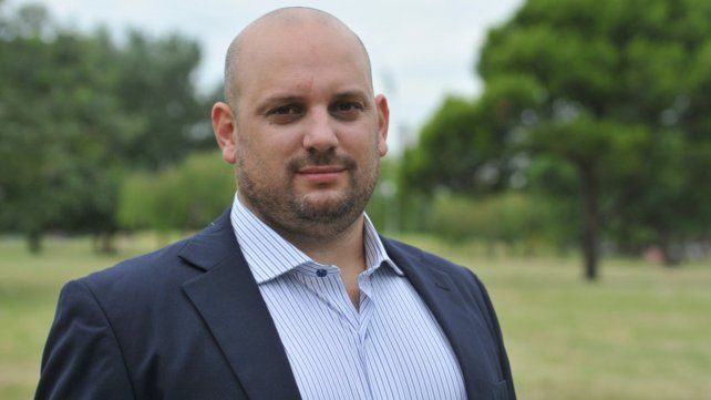 Octavio Crivaro encabeza la lista provincial como precandidato a gobernador.