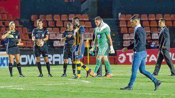 Desdibujado. El primer paso del equipo del Loncho fue con el pie izquierdo. Ni Cabezas ni Ledesma lograron evitar el papelón.