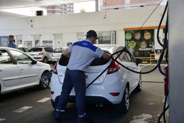 Anuncian un nuevo aumento de los combustibles
