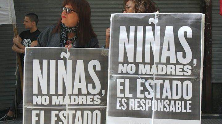 Reclamo de ONGs contra la violencia institucional que sufrió la nena tucumana