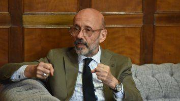 Decisión. El rector de la UNR, Héctor Floriani, le da pelea al recorte de subsidios que administra el gobierno nacional.