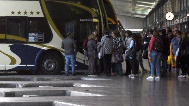 Detienen a un hombre por manosear a una pasajera durante un viaje a Rosario