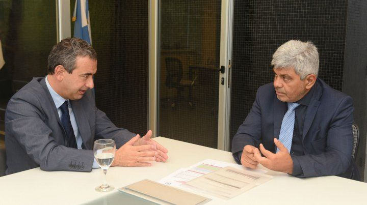 Pablo Javkin junto al fiscal general de la provincia