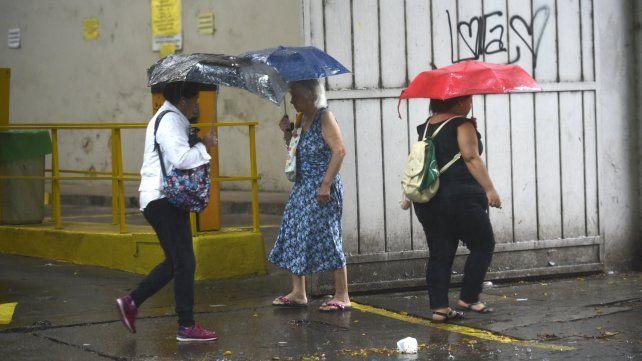 Rige un alerta meteorológico por tormentas intensas para el sur provincial