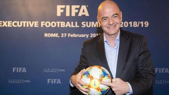 Cuáles son las reglas que aprobó la Fifa para renovar el fútbol