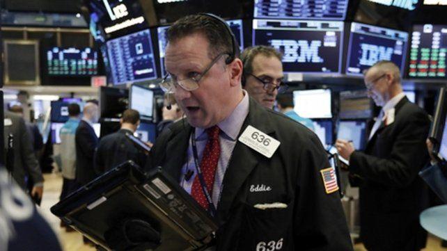 Caída. Wall Street volvió a tropezar por la incertidumbre sobre la economía de EEUU y el acuerdo con China.