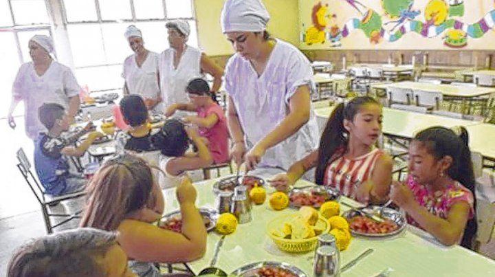 Se espera que una vez que comience el ciclo lectivo serán 50 mil los chicos que almorzarán en las escuelas del Gran Rosario.