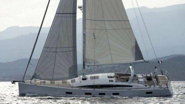 el ti paradise. El velero francés se dio vuelta con ocho tripulantes.