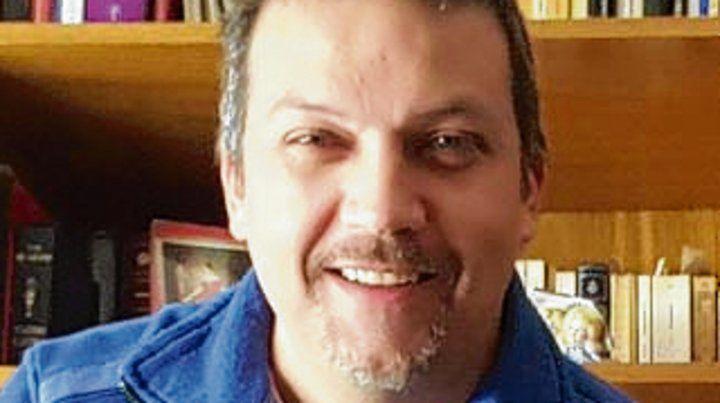 Sarro es profesor en Letras (UNR).