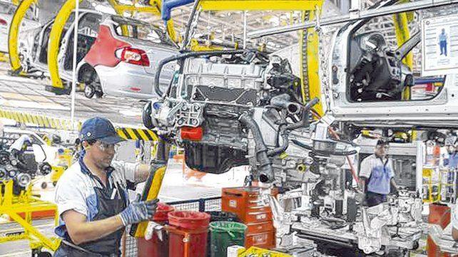 Parate. La planta de Fiat en Córdoba recortará turnos de producción por la acumulación de stocks.