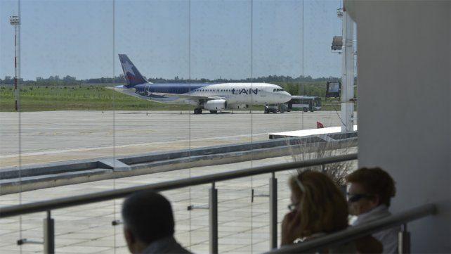 Debido a la crisis, Latam dejará de volar desde Rosario a San Pablo