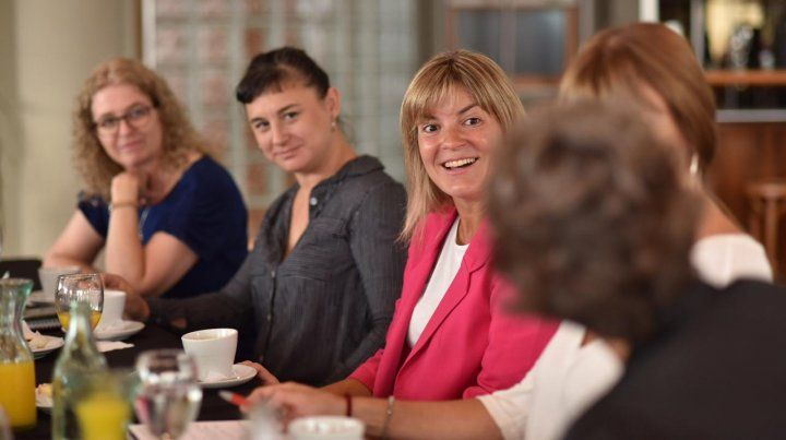 Irizar profundizará las políticas de género y adelantó paridad en su gabinete