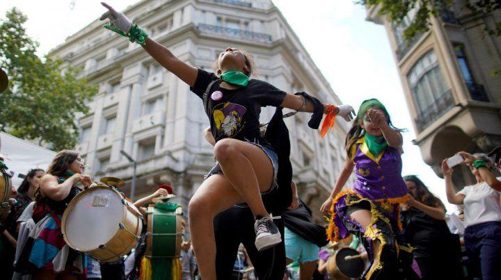 Centro porteño. La movida de Buenos Aires comenzó temprano y estuvo plagada de ritmo y color.