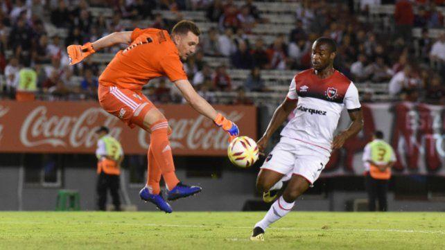 Volvió al gol. El portugués Luis Leal marcó el segundo en la derrota ante River y hoy tendrá otra chance desde el arranque.