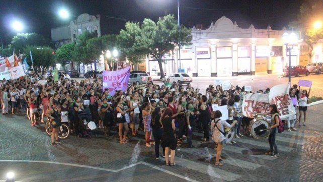 Marcha. Rafaela fue una de las ciudades donde se hizo sentir con fuerza el Día Internacional de la Mujer.