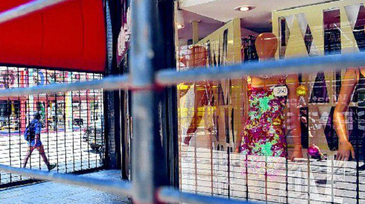 Los comerciantes se quejaron porque el feriado del carnaval los obligó a cerrar sus locales.
