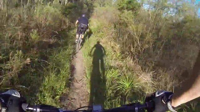 Murió un ciclista al caer en una pendiente en el área natural de Pueblo Andino