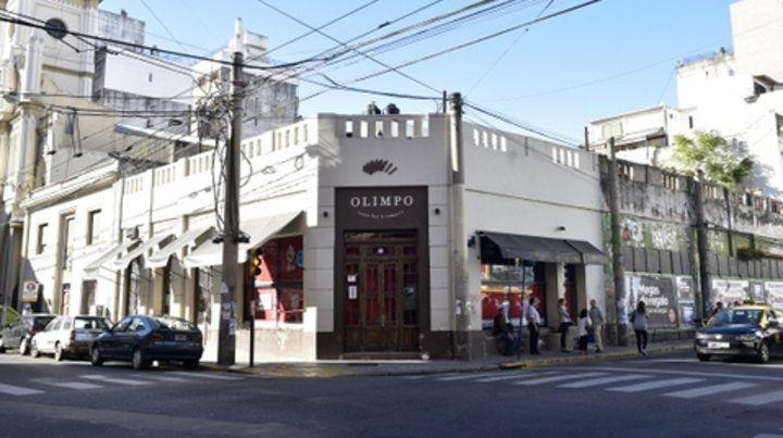 Emblemático. El inmueble donde hasta el 2017 funcionó el Bar Olimpo fue adquirido por el sindicato ese mismo año.