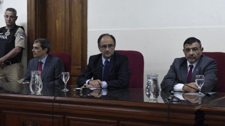 Tribunal. Ricardo Vázquez(centro)