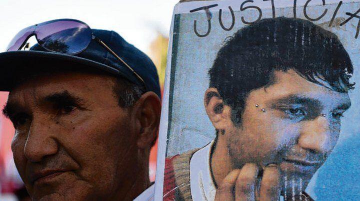 Padre. Ramón Casco pidió en noviembre pasado una nueva autopsia.
