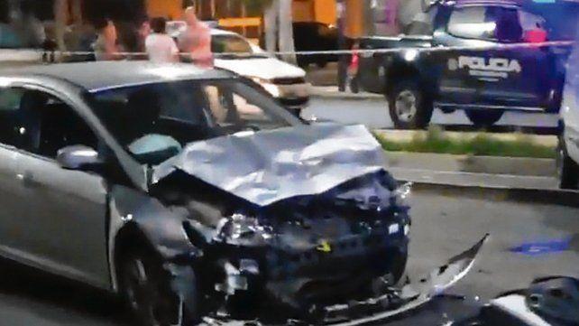 Tras el impacto. Así quedó el auto que chocó al utilitario de la víctima.