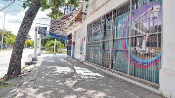 Avenida San Roque al 400. El asalto a la sede de la administración de ACR Maquinarias ocurrió la tarde del lunes, minutos después de las 16.
