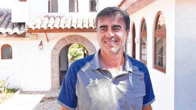 Jugué en Central Córdoba y tuve al compañero que más me sorprendió en la vida: el Trinche Carlovich.