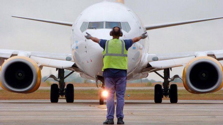 Flybondi inauguró la ruta aérea entre desde Rosario a Iguazú