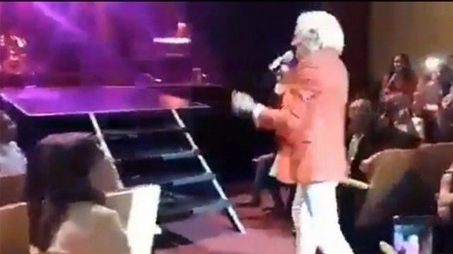 Tucumán. Denis cayó a la fosa orquestal del Teatro Mercedes Sosa.