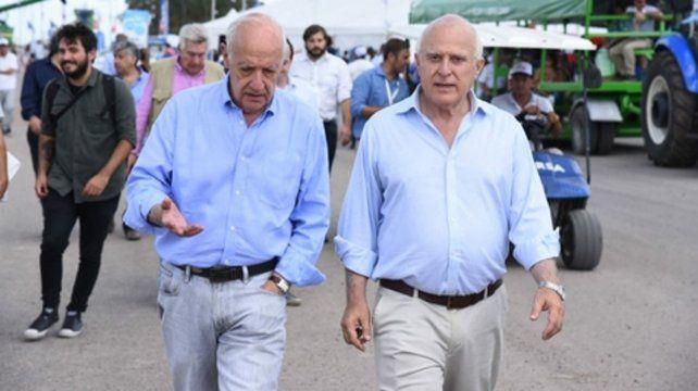 Afinidad. Roberto Lavagna y Miguel Lifschitz recorrieron ayer la Expoagro de San Nicolás
