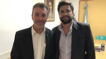 En la comuna. Carlos Torres junto al interventor de Maciel, Mario Drovetta.