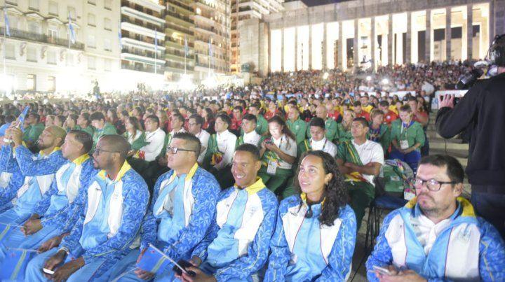 La llama de los Juegos Suramericanos de Playa ya ilumina Rosario