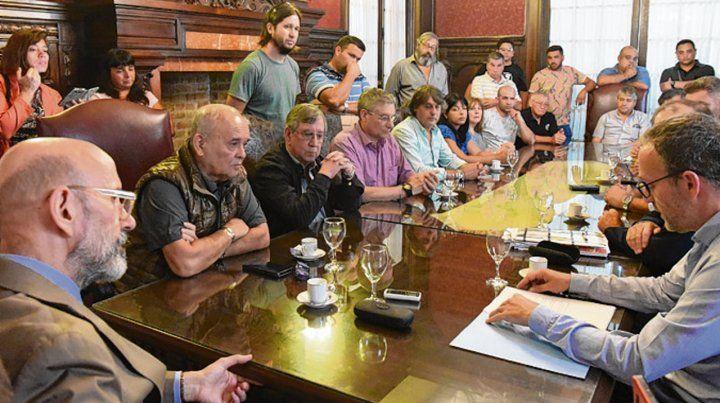 en rectorado. El rector encabezó el encuentro con dirigentes.