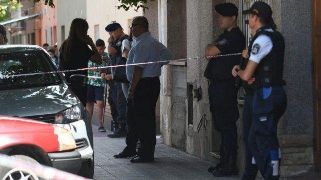 Analía Verónica Azzolina fue hallada tirada en el piso del comedor