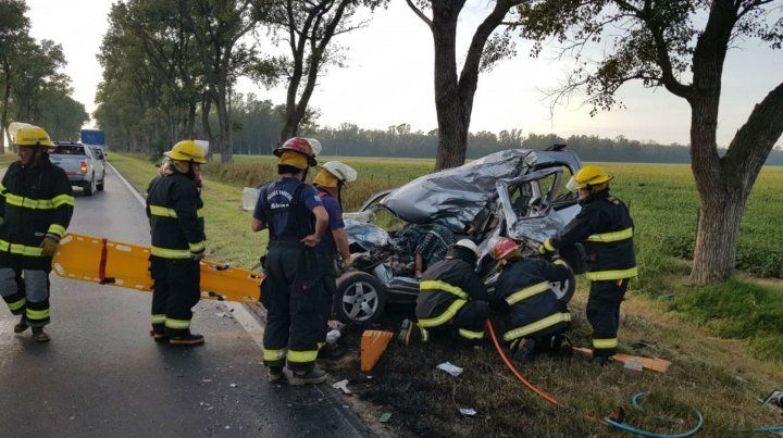 Así quedó la Peugeot Partner. Su conductor murió.