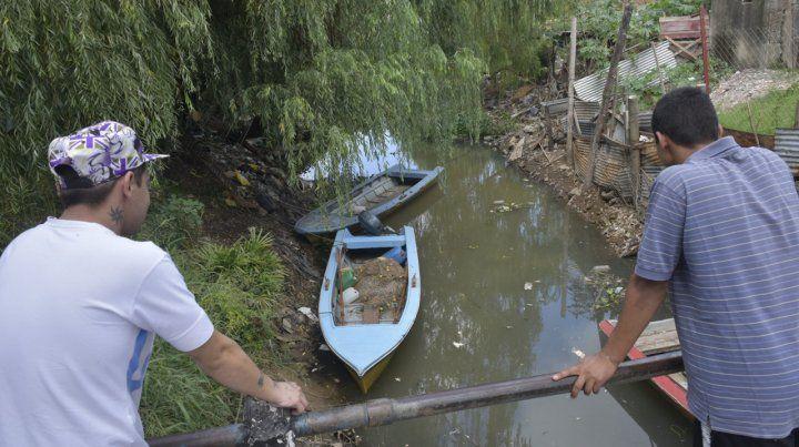 Basural. En la desembocadura del arroyo Saladillo se acumula la basura que atrae a los roedores.