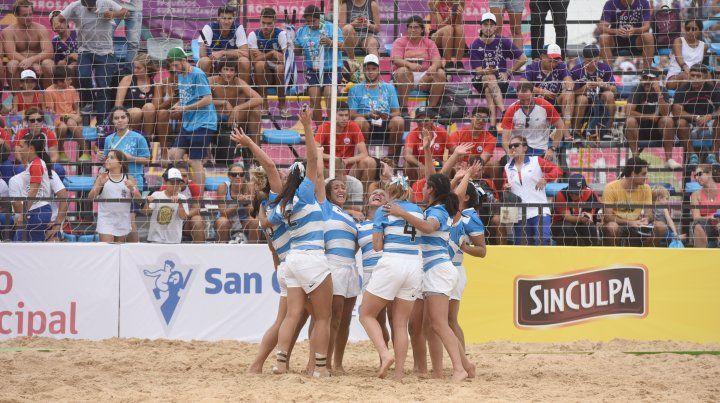 Las chicas y los varones del rugby argentino, a puro oro