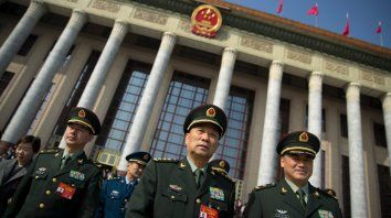 Enemigo. General chinos en la Asamblea Nacional. China aumenta sus fuerzas militares en todas las áreas.