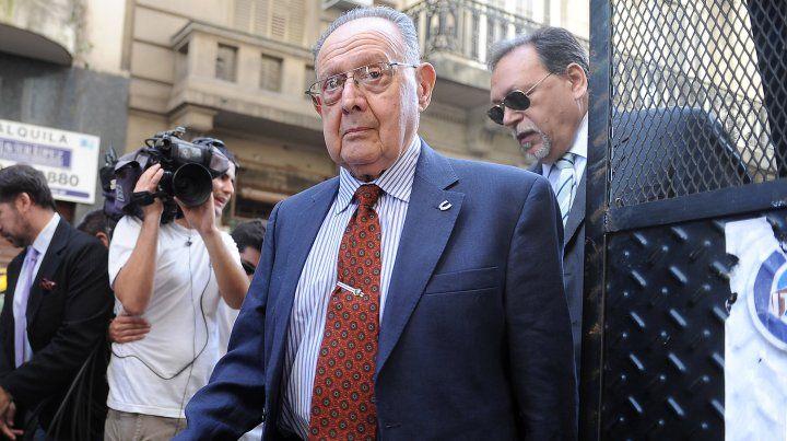 El prestigioso médico forense Osvaldo Raffo fue hallado muerto en su departamento.