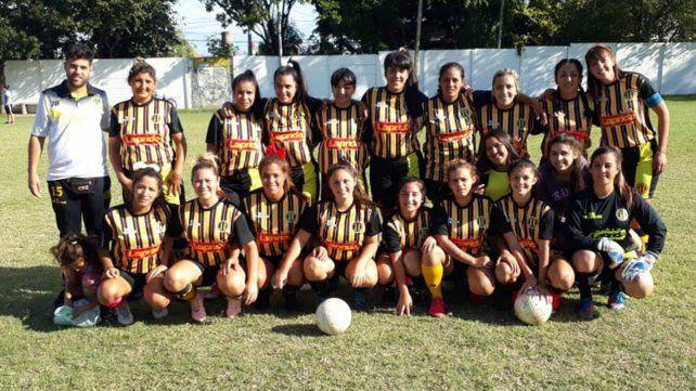Club Oriental. Las chicas del aurinegro del barrio Roque Saenz Peña