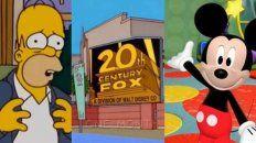 La reunión insólita. Homero y Mickey ya comparten marquesinas luego de una millonaria compra de Disney.