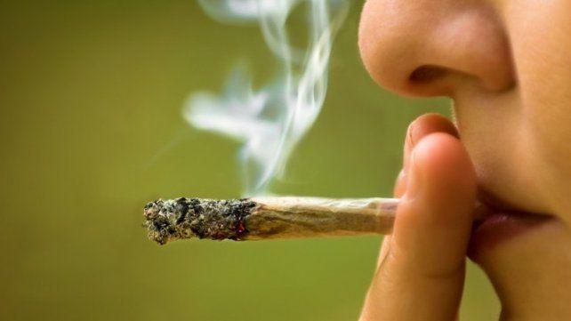 Un estudio afirma que fumar marihuana todos los días aumenta el riesgo de psicosis