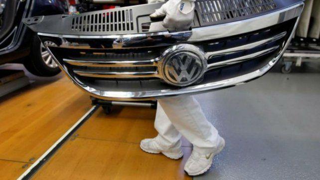 Volkswagen suspende a unos 300 operarios en su planta bonaerense