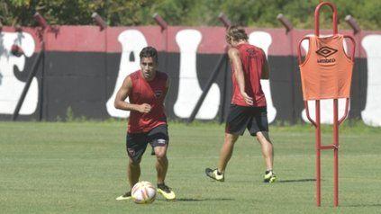 Con la pelota en sus pies. Joaquín Torres la trata bien en velocidad. Necesita serenarse y demostrar que puede ser alternativa.